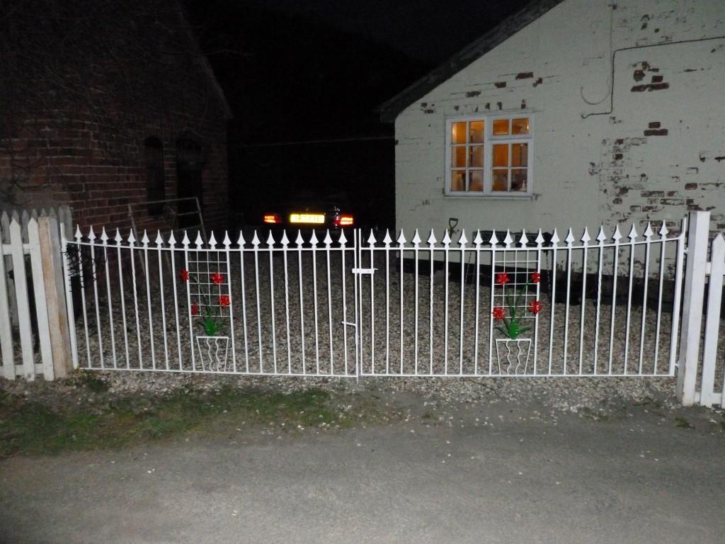 Flower Design Wrought Iron Gates