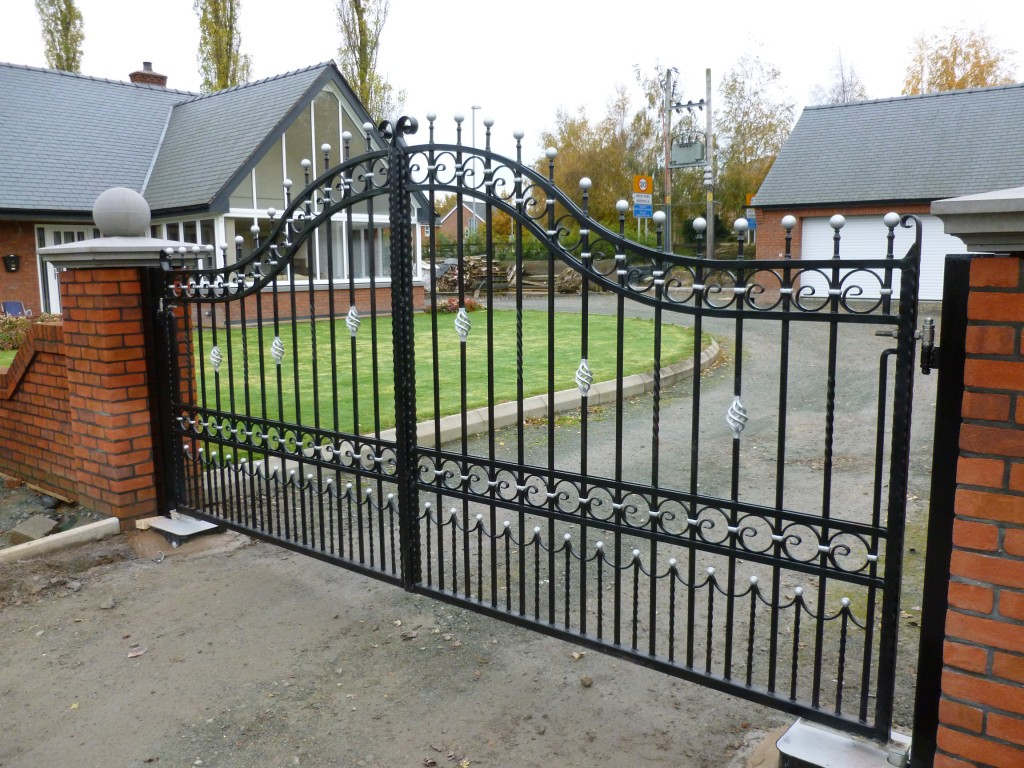 Ornate Double Gates in Black and Silver